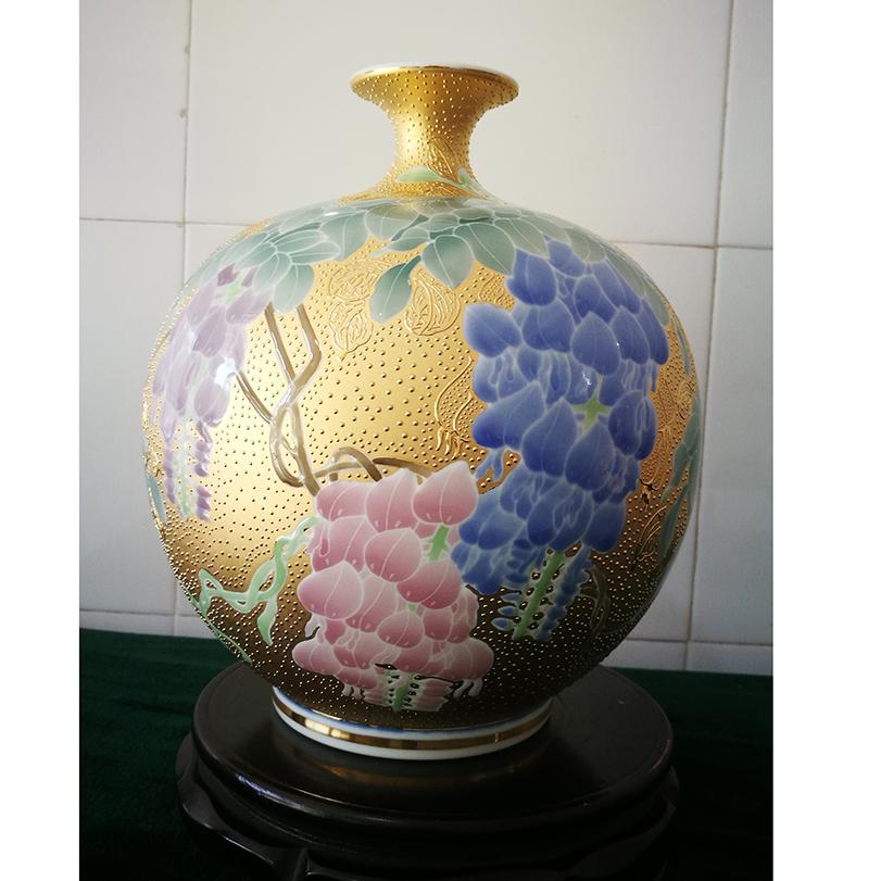 五彩葡萄云瓶
